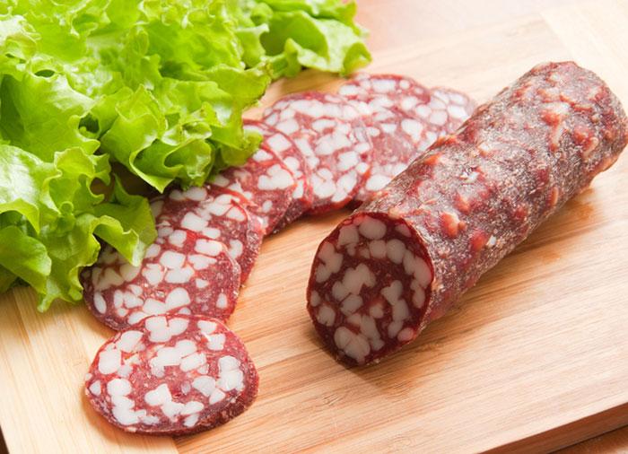 Россельхознадзор Коми искал свинину в колбасе