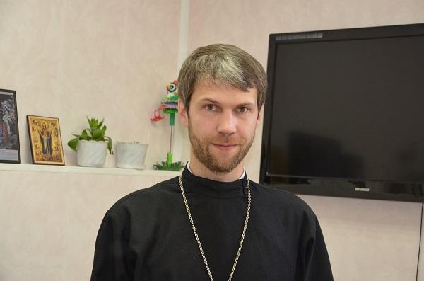 Отец Максим Стыров: