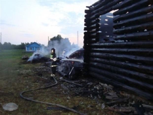 В Удорском районе из-за удара молнии сгорел жилой дом