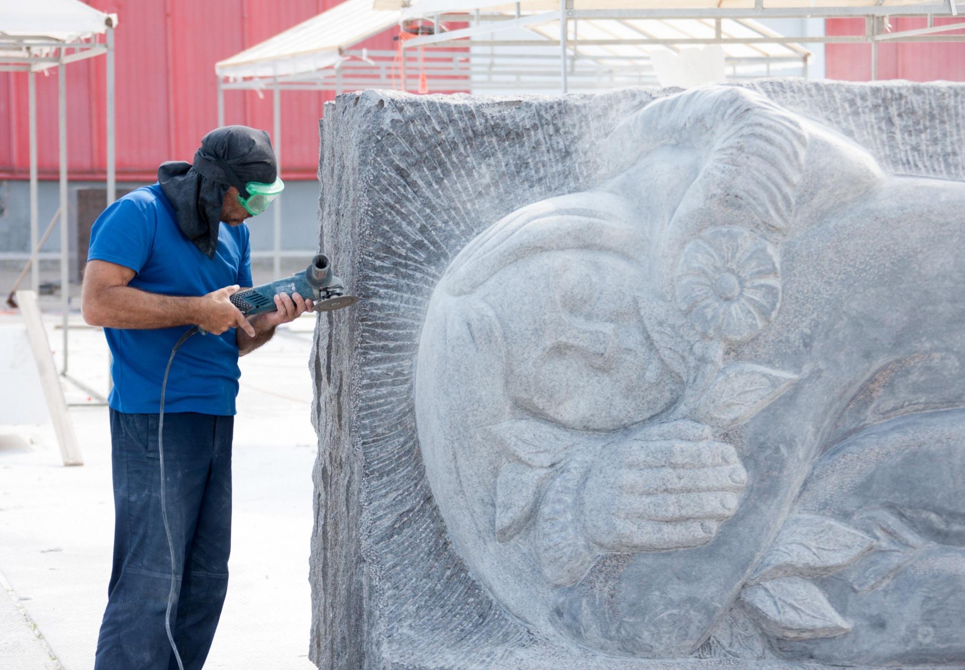 2_Skulpturnyi-simpozium-OOO-GTU-Vyborov.jpg