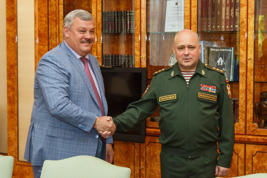 Сергей Гапликов провёл рабочую встречу с командующим Северо-Западным округом войск национальной гвардии