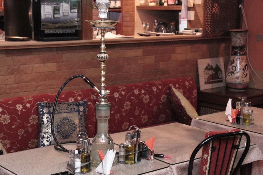 Употребление кальянов и вейпов запретят в ресторанах