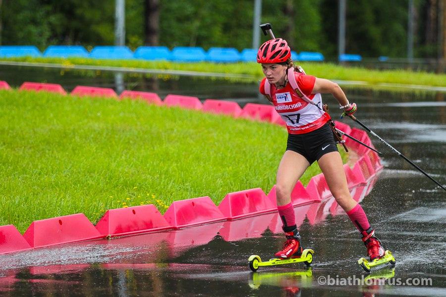 Анастасия Рудакова из Коми вошла в десятку сильнейших на Первенстве России по летнему биатлону