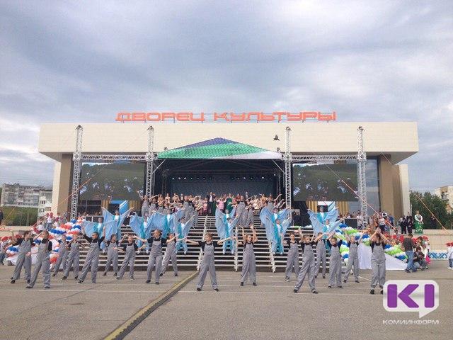 Сергей Гапликов проверил, как освоен грант главы на обновление Дворца культуры в Ухте