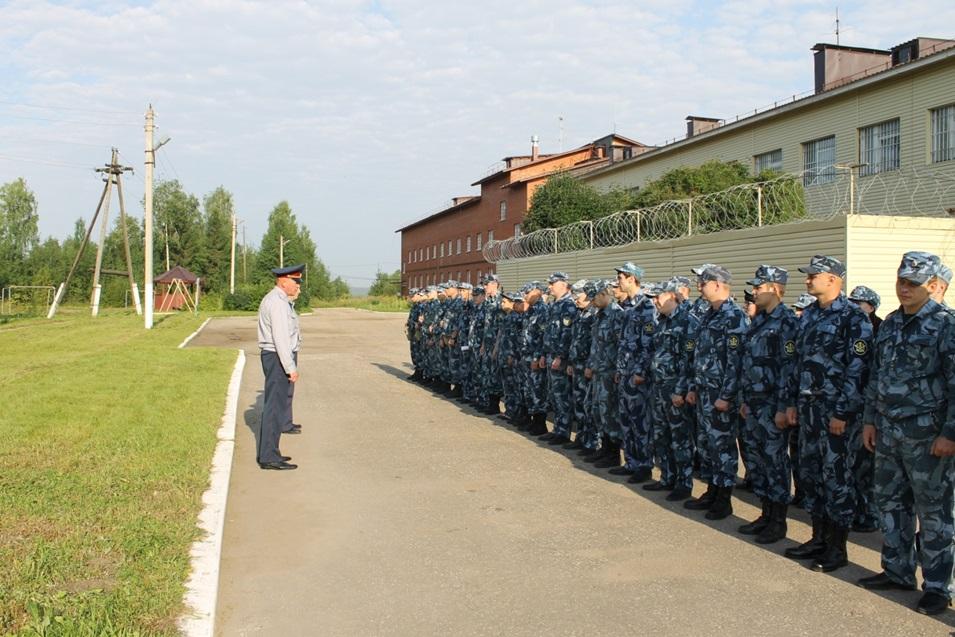 Молодые сотрудники СИЗО-1 приняли присягу