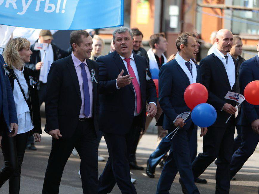 Глава Коми принял участие в торжественном шествии и митинге ко Дню шахтера в Воркуте