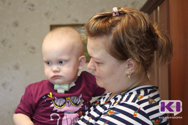 Спасти ребенка: к концу рабочего дня в помощь Юле Разумовой собрано более 74 тысяч рублей