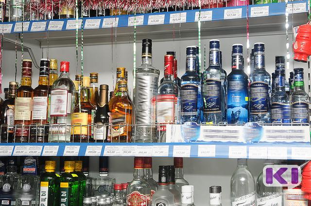 Сыктывкарец ограбил магазин, угрожая продавцу похищенной бутылкой
