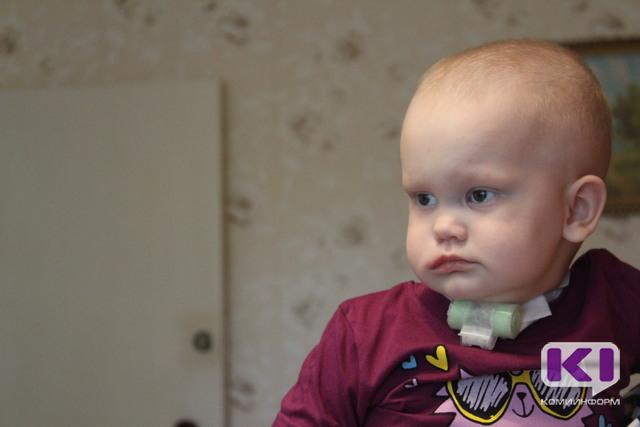 Спасти ребенка: благотворители пожертвовали сыктывкарке Юле Разумовой более 150 тысяч рублей