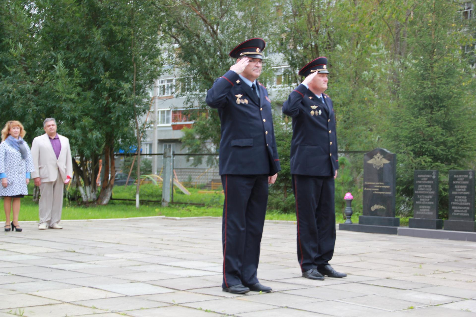Молодые сотрудники вневедомственной охраны войск нацгвардии приняли присягу в столице Коми