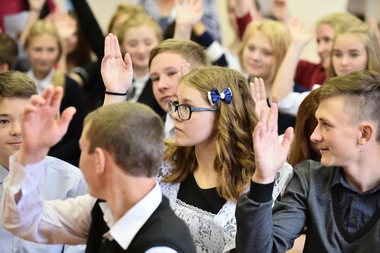 Старшеклассники Пыелдинской школы в День знаний почувствовали себя депутатами
