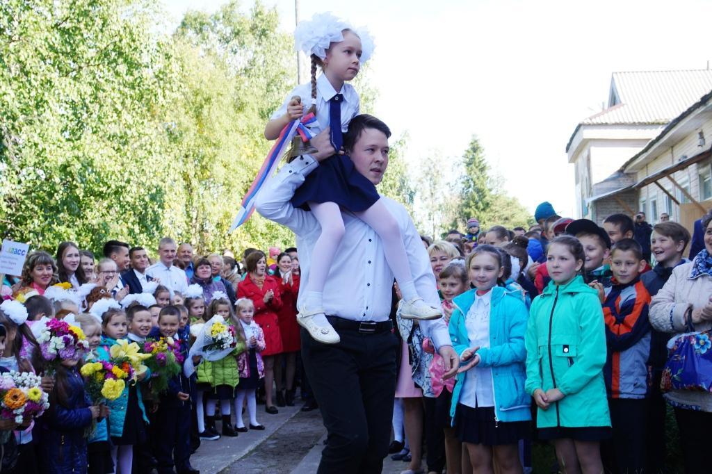 Для двух тысяч школьников Ижемского района прозвенел школьный звонок