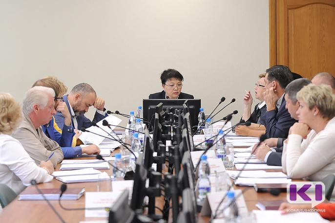 Депутатам Совета Сыктывкара предложили компенсировать отсутствие на рабочем месте