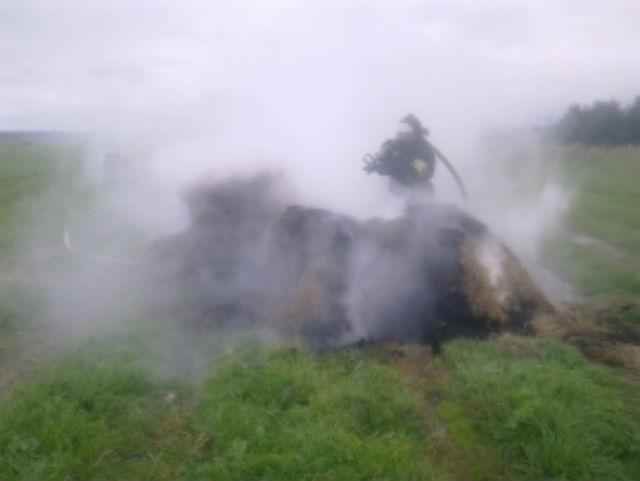В деревне Конец–Озерье Усть-Вымского района неизвестные подожгли рулоны с сеном