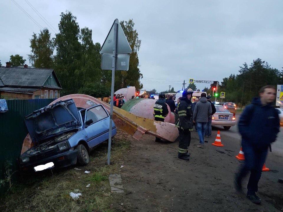ВСыктывкаре шофёр «Оки» въехал востановку, сбив четырех человек