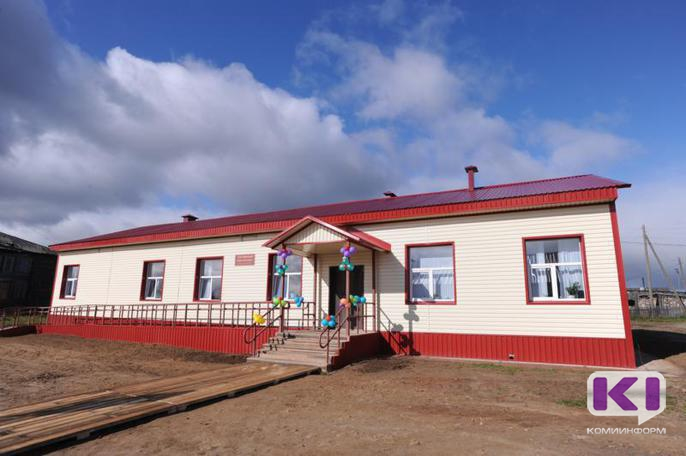 Глава Коми открыл новый сельский клуб в Усть-Неме