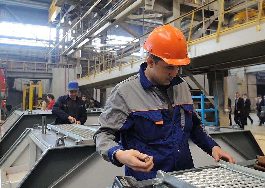 В Коми средняя зарплата рабочего персонала составляет 35 тыс. рублей