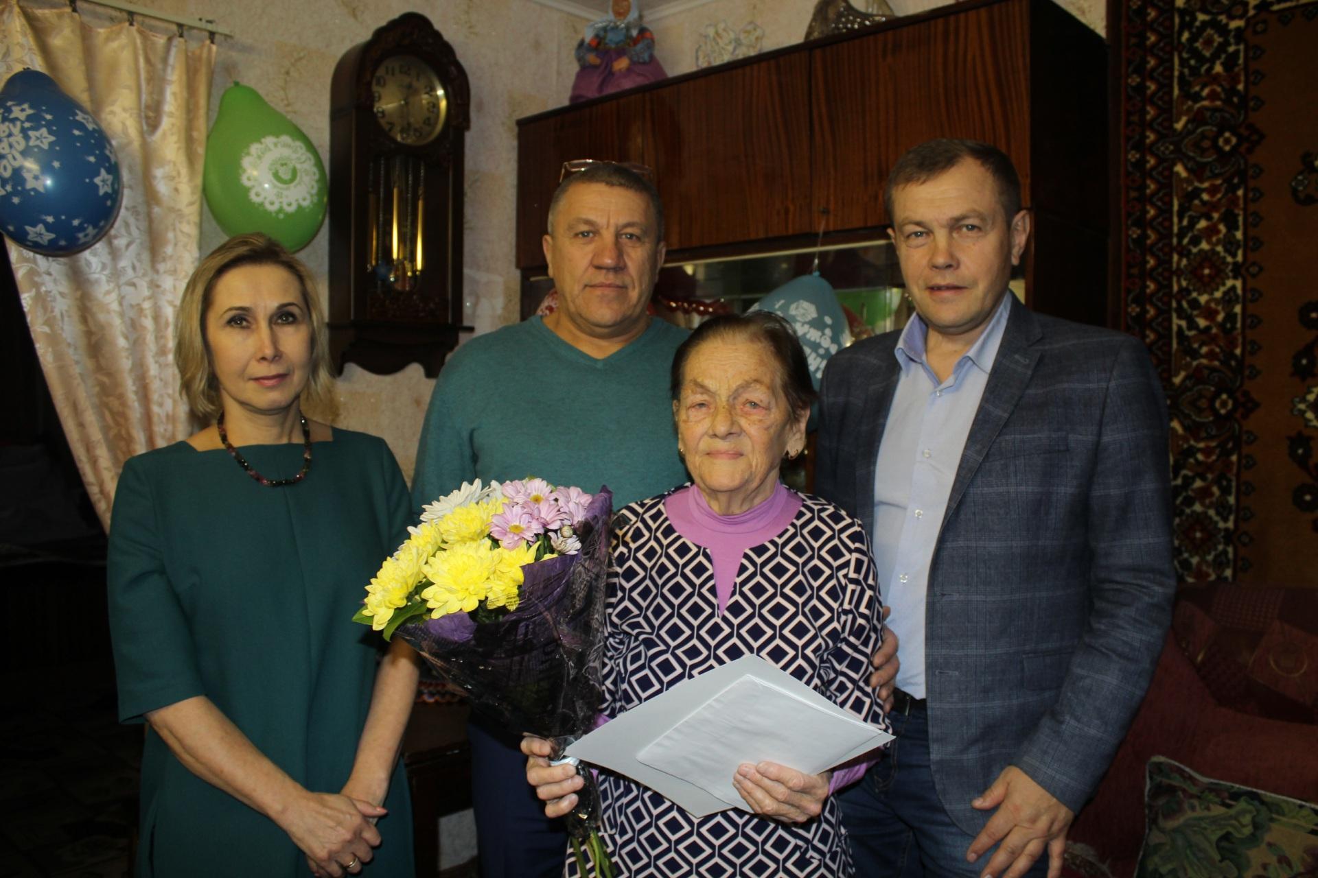 Президент России Владимир Путин поздравил воркутинку Анну Шевченко с 90-летием