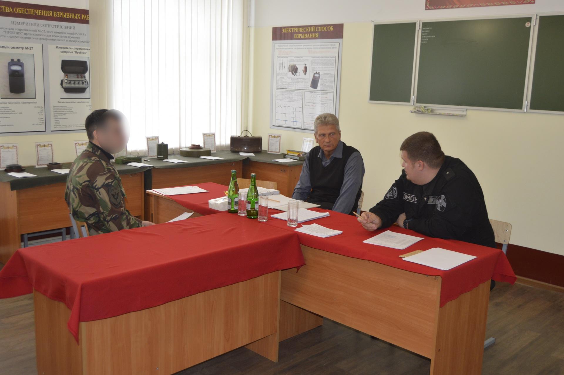 В Сыктывкаре выпустились сотрудники инженерно-технических подразделений ОМОНа