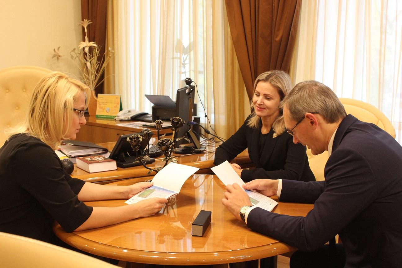 Коми с рабочим визитом посетил директор Департамента Минобрнауки РФ Андрей Петров