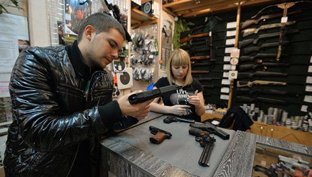 С 1 октября за выдачу лицензий на оружие придется заплатить госпошлину