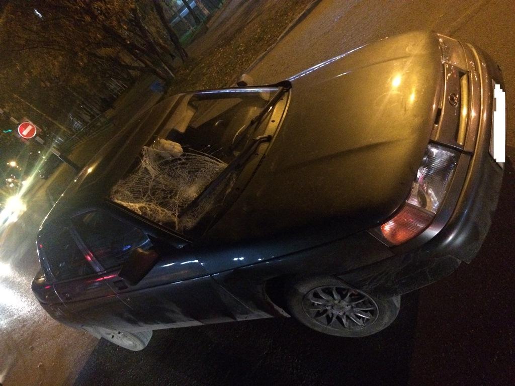 В Усинске водитель ВАЗ сбил пешехода, переходившего дорогу на зеленый свет