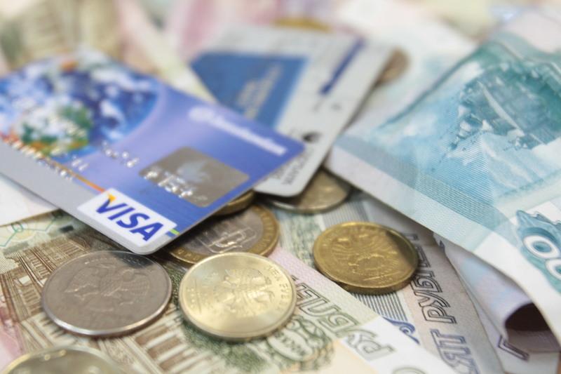 Кому предлагают самую большую зарплату в Республике Коми в октябре