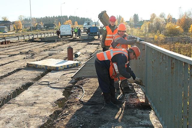 В Сыктывкаре началась реконструкция второй очереди моста через Човью