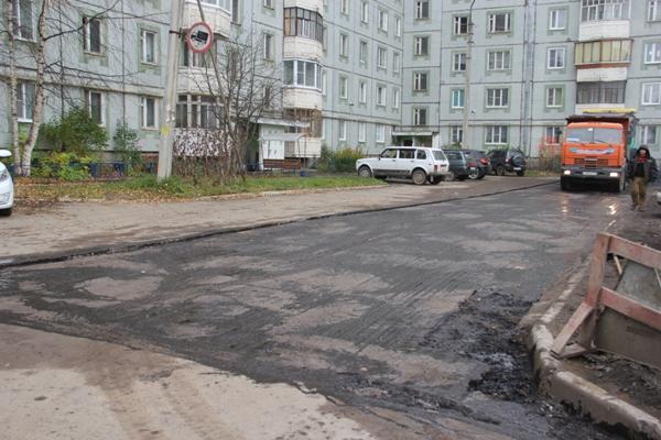 В Сыктывкаре исправляют недочеты проведенных работ по благоустройству дворов