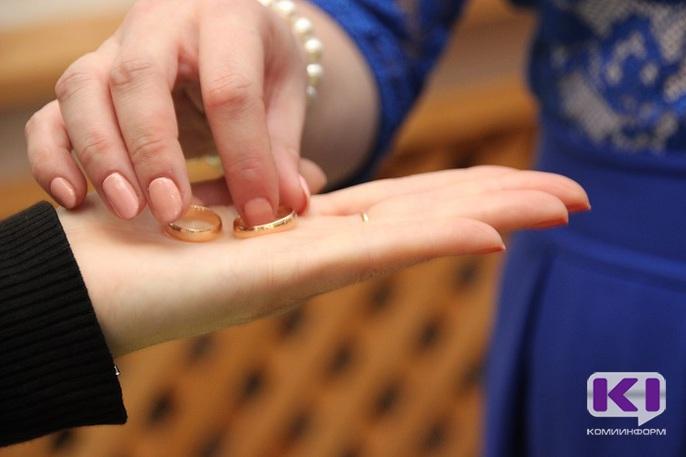 Свадьба строгого режима: невесты из Коми взялись за исправление рецидивистов
