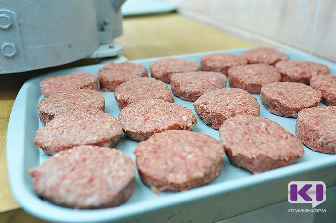Роспотребнадзор Коми забраковал более тонны некачественного мяса
