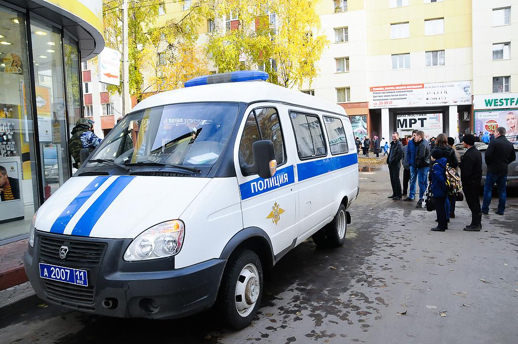 В Сыктывкаре и Печоре брошенные пакеты подняли по тревоге оперативные службы