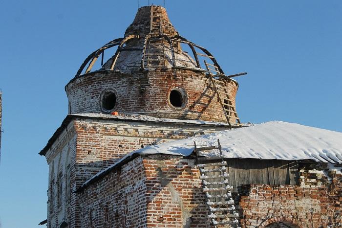На церкви Живоначальной Троицы в Подъельске установят новый 4-метровый купол