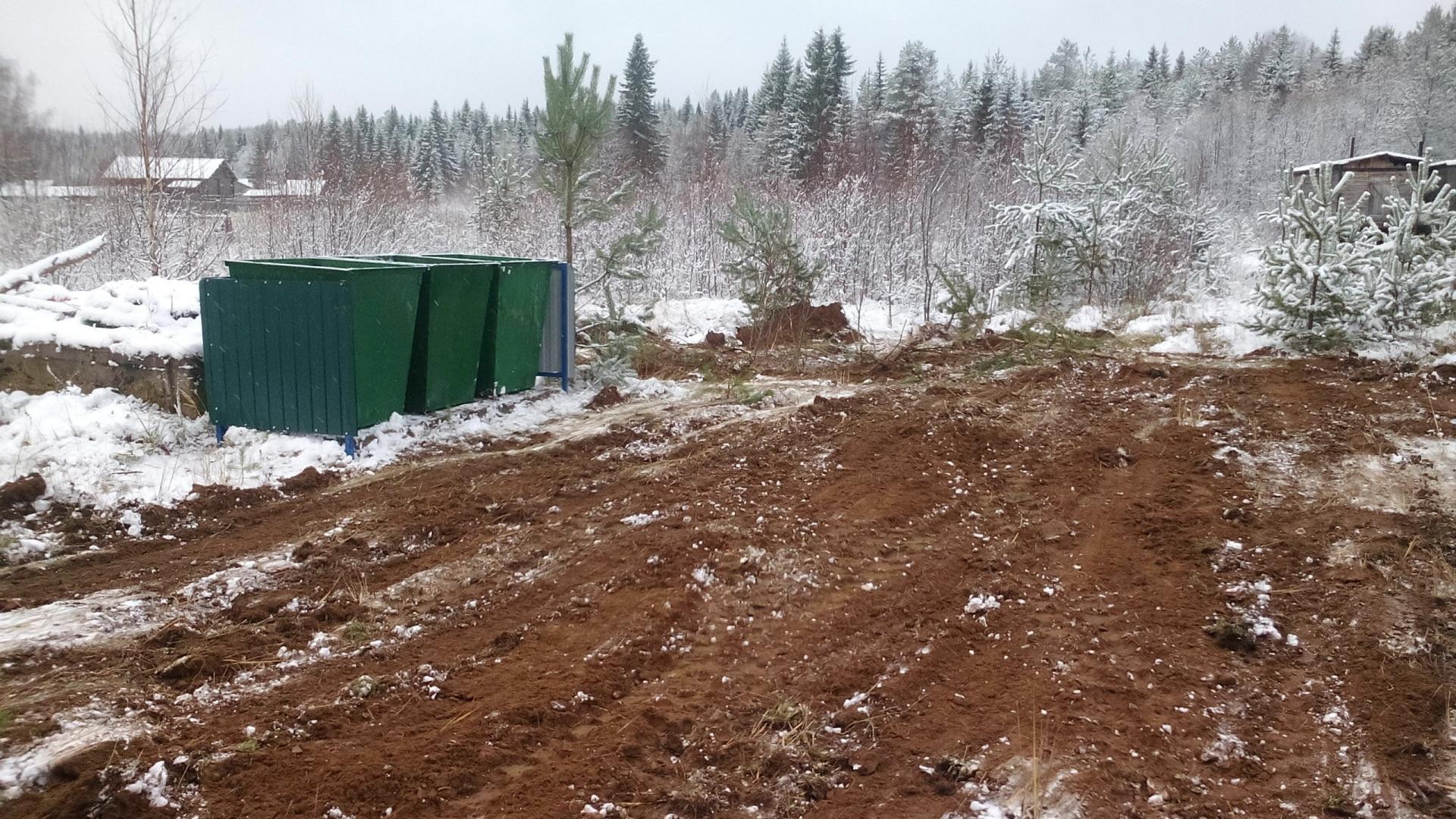В Мандаче обустроили контейнерные площадки, в Ивановке - водозаборную колонку