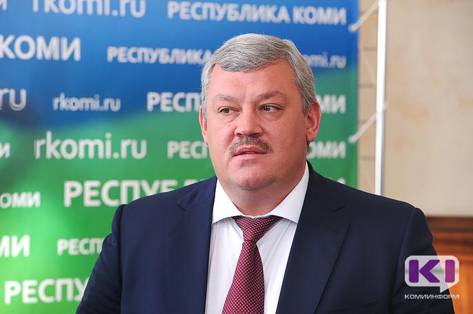 Сергей Гапликов назвал недопустимой ситуацию, когда предприятия не выплачивают заработную плату работникам своевременно