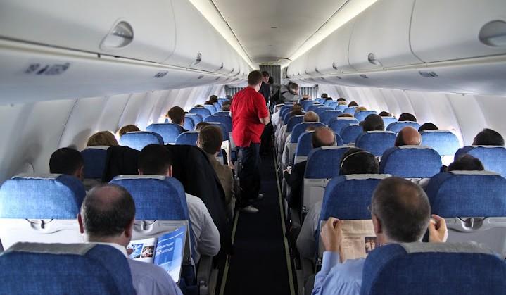 В Коми раскрыли кражу на борту самолета