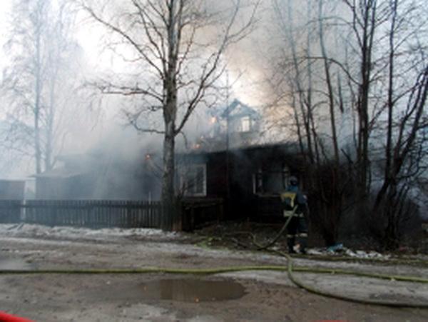В селе Гам сгорел жилой дом, в Скородуме - баня