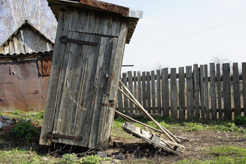 Прокуратура обязала администрацию Усть-Куломского района очищать канализационные сети частного сектора