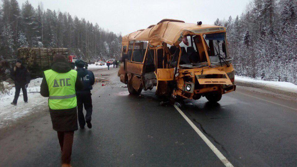У попавшего в аварию близ села Ыб школьного автобуса не работал или намеренно был отключен ограничитель скорости