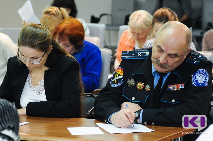 Владимир Мухин вместе сясногорцами написал Большой этнографический диктант