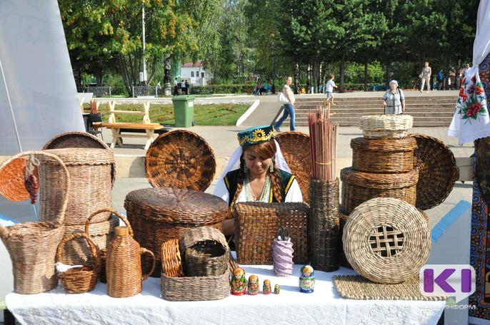 С 2018 года учреждены ежегодные гранты главы Коми в области народных художественных промыслов и ремесел