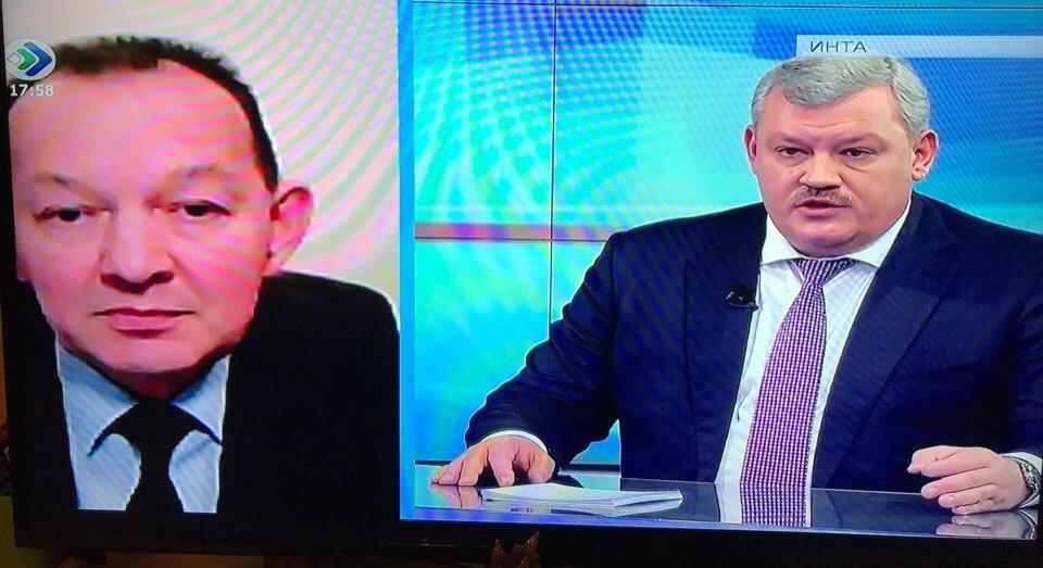 Глава Коми следит за строителями бассейна в Сосногорске по видеокамерам
