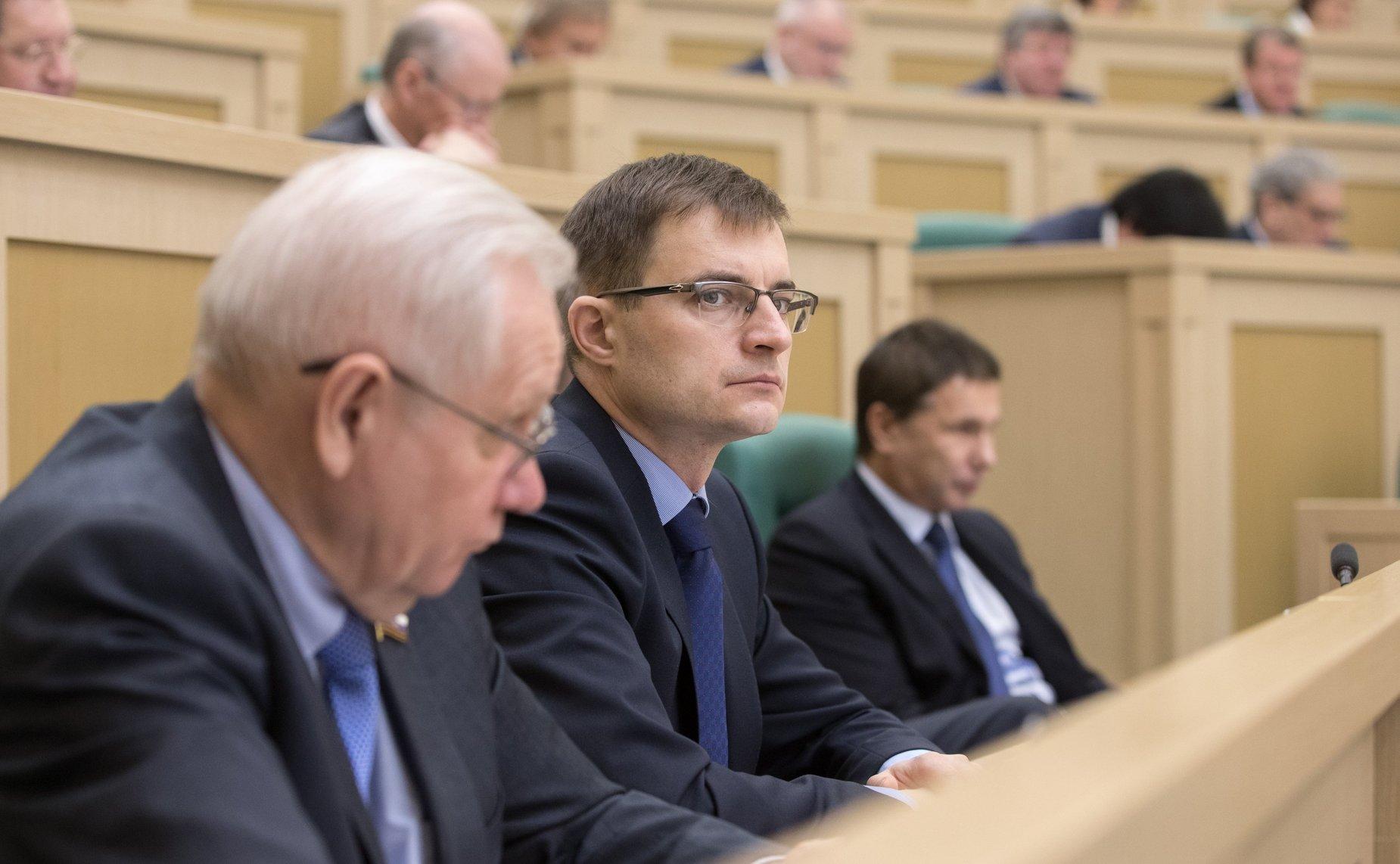 """Дмитрий Шатохин: """"Снижение доходов от акцизов и дорожных трансфертов требует внимания федеральных министерств"""""""