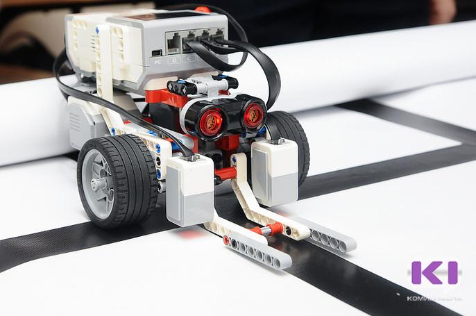 Сыктывкарские школьники показали отличные результаты на конкурсе по робототехнике