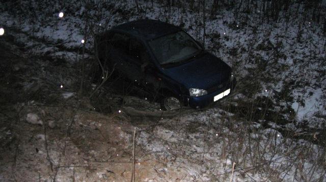 За день в Коми в кювет вылетело две машины