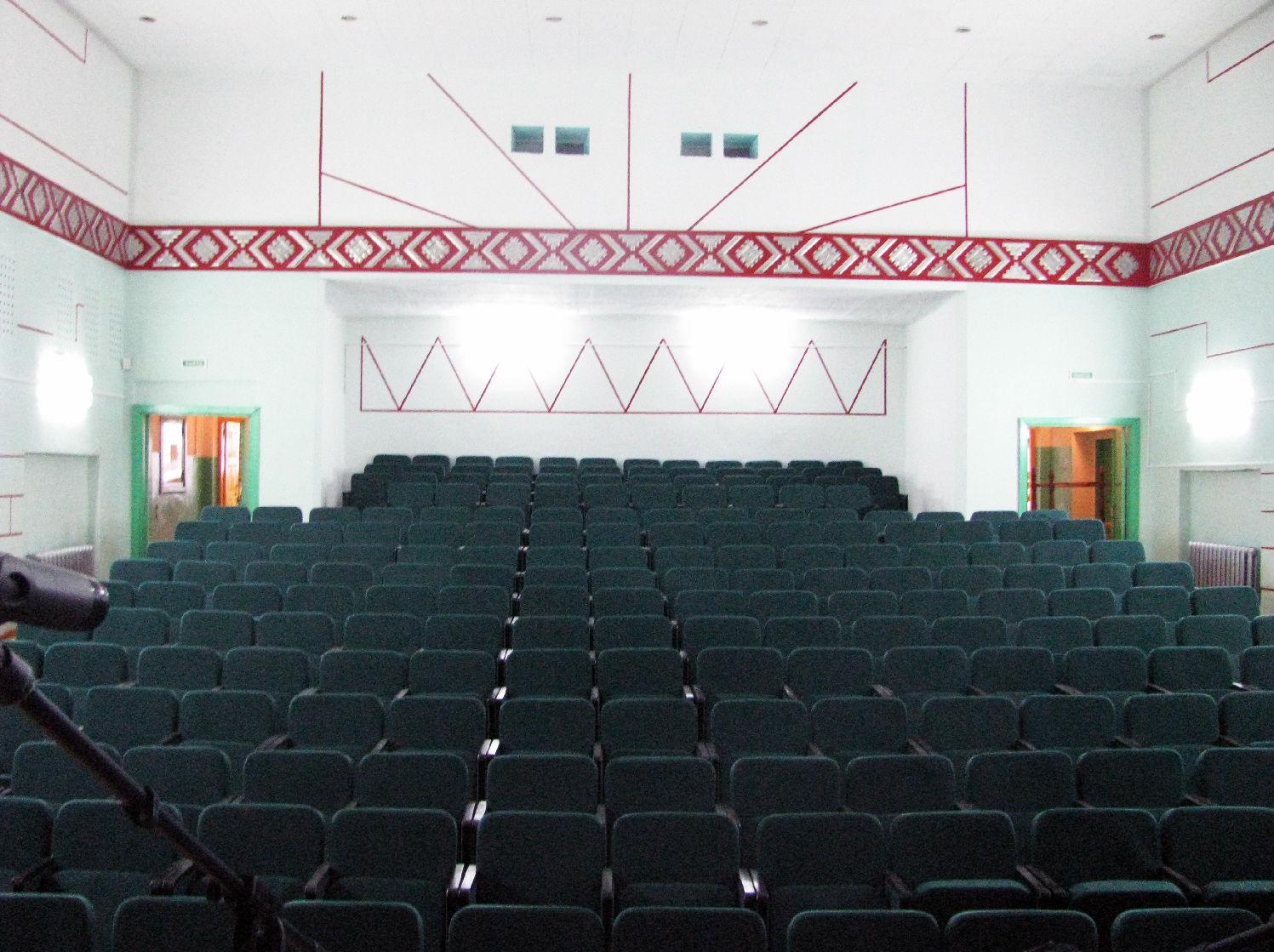 Было - стало: новые кресла установили в домах культуры в Помоздино и Югыдъяге
