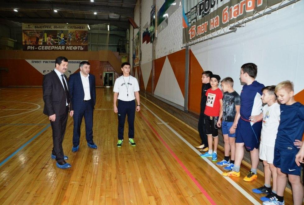 Было-стало: в культурно-спортивном комплексе Усинска открыли отреставрированный спортзал