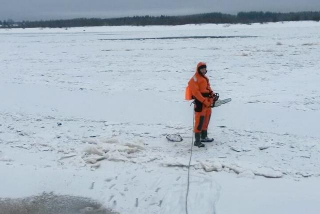Теплая погода в Сыктывкаре не позволяет установить пешеходную ледовую переправу в местечке Алёшино