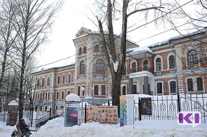 Экспонаты Национальной галереи Коми можно будет потрогать, а о ее картинах напишут шрифтом Брайля