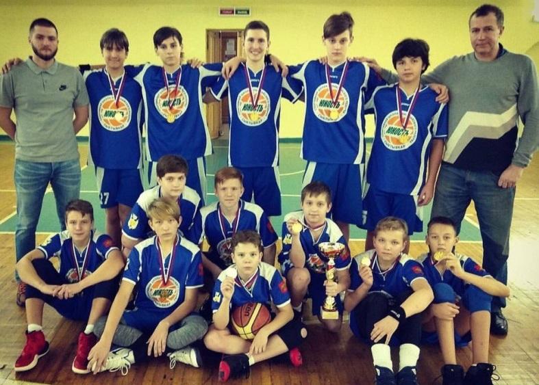 Сыктывкарские подростки выиграли баскетбольный турнир в Череповце